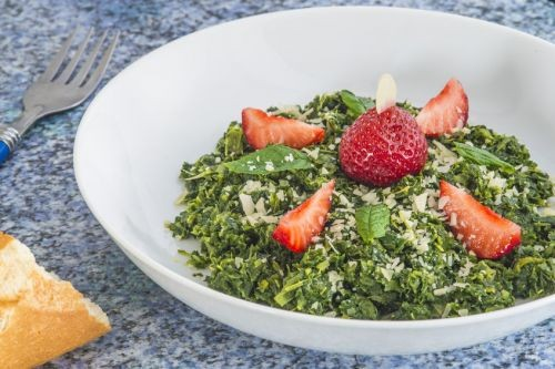 Berry Kale Salad With Strawberry Dressing